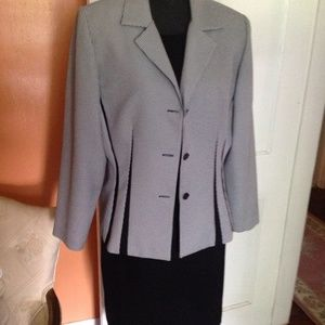 2Pc Blk Sleeveless Dress Suit Sz 14 w/Blk&Wht Jack